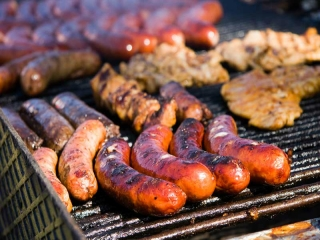 sausages-cooking-on-the-bbq